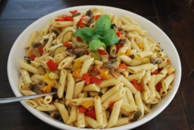 Antipasti-Nudel-Salat - Rezept