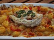 Gnocchi-Auflauf mit Bergkäse und Caprese-Hähnchenfilet - Rezept