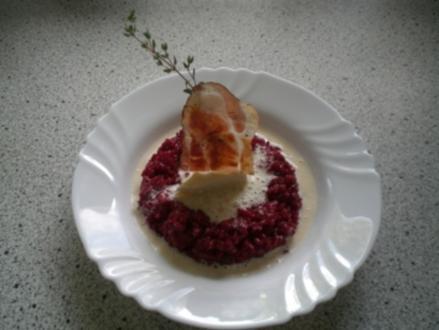 Rote Beete Risotto mit Camembertsauce und Speck - Rezept