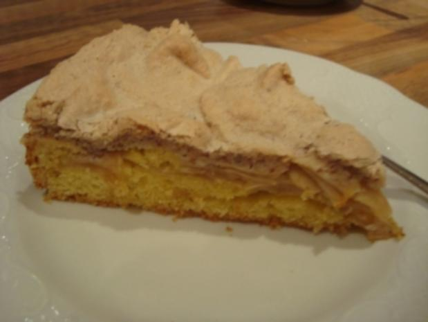 *Kuchen - Apfelkuchen mit nussigem Baiser - Rezept