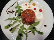 Ratatouille-Törtchen mit Knoblauchsauce - Rezept