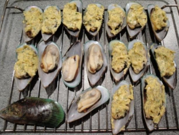 Greenshell-Muscheln mit Kräuterbutter überbacken - Rezept - Bild Nr. 4
