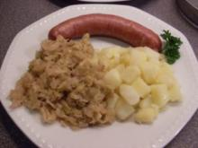 Gedünstetes Weisskraut mit Würstchen und Kartoffeln - Rezept