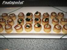 Mit Lachscreme gefüllte Mini Blätterteig Pasteten - Rezept