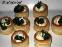 Mit Gorgonzolacreme gefüllte  Blätterteig-Pasteten - Rezept