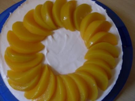 Pfirsich-Sekt-Torte - Rezept
