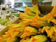 (Vollkorn)Risotto mit Zucchini und Zucchiniblüten - Rezept