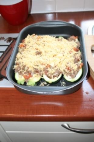Zucchini gefüllt mit Hackfleisch - Rezept - Bild Nr. 4