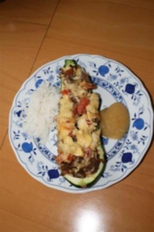 Zucchini gefüllt mit Hackfleisch - Rezept - Bild Nr. 2