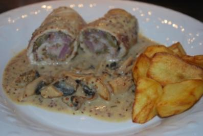 "Rouladen ""Stroganoff"" in Senf-Honig-Sauce - Rezept"