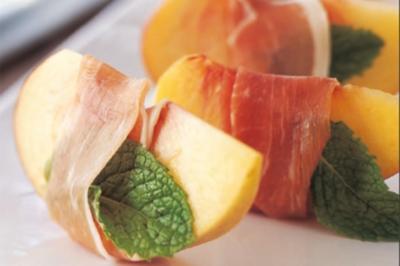 Pfirsiche mit Parmaschinken - Rezept