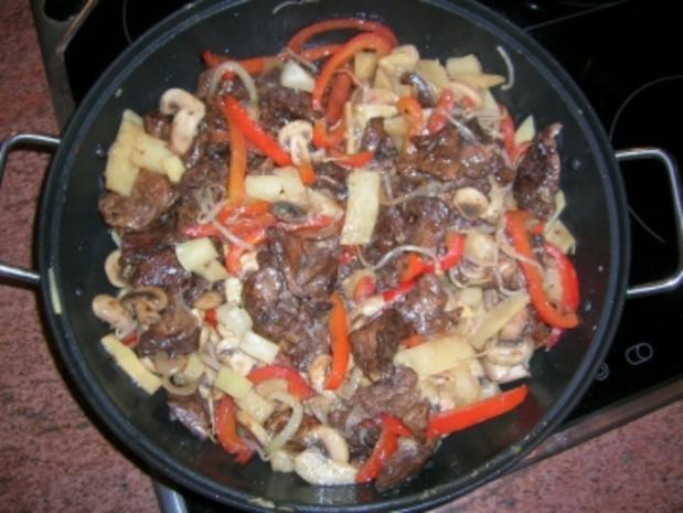 Chinesische-Wok-Pfanne (Rindfleisch süss-sauer)  meine spezielle Kreation, die immer gut ankommt - Rezept