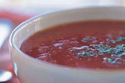 Tomatensuppe mit Basilikum - Rezept