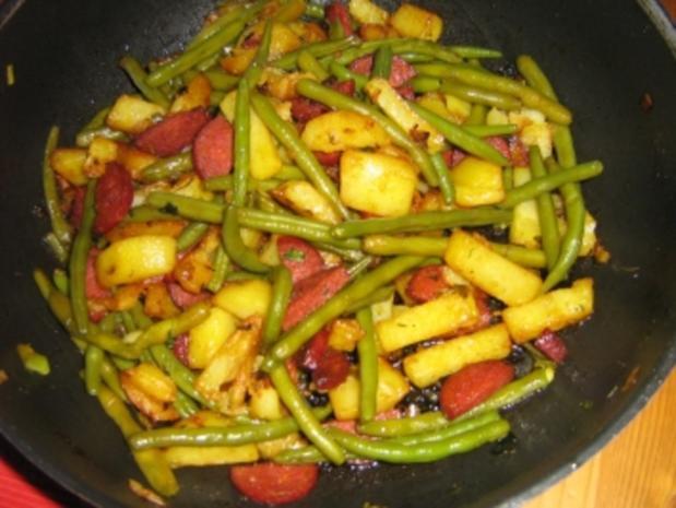 Kartoffel-Bohnen-Pfanne mit Chorizo - Rezept - Bild Nr. 2
