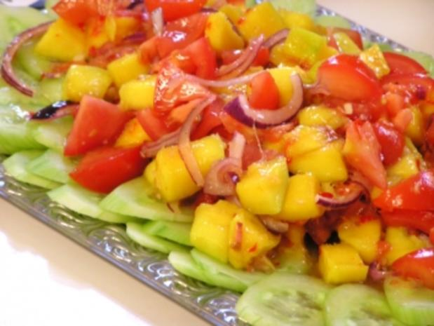 Asiatischer Mango-Tomaten-Salat - Rezept
