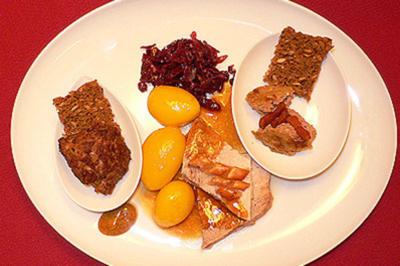 Warme Leberpastete mit Bacon, Mini-Frikadellen mit Rotkohl und Krustenbraten - Rezept