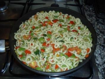 Fideuá con Olivenöl sin carne y pescado - Rezept