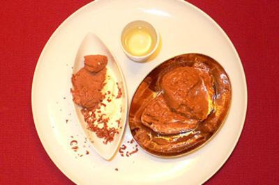 Schokoladenmousse mit Schoko- und Vanilleeis - Rezept