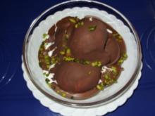Joghurt-Sahne-Eis mit Schokoladenüberzug und Pistazienkerne - Rezept