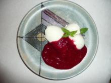 Dessert :Buttermilchgelee mit Himbeersößchen - Rezept