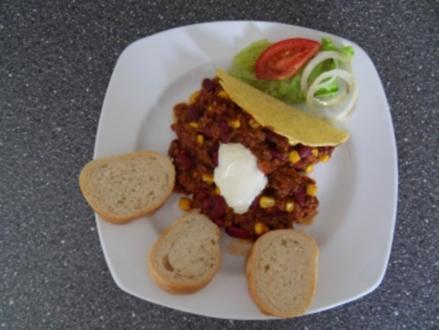 Chili con Carne in Taco shells - Rezept