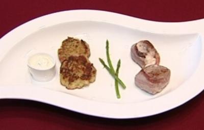 Rezept: Gefangene Medaillons vom Schwein mit Gemüsetaler (Ira Meindl)