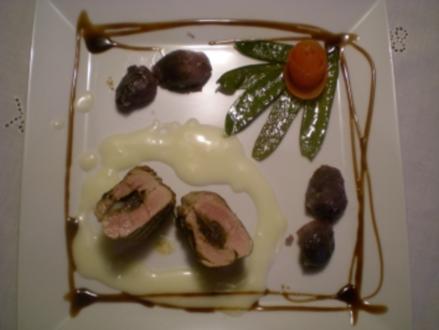 gefülltes Schweine Filet an Champagner Sauce mit Trüffel Kartoffel & grünen Schoten - Rezept