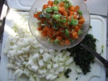 Suppe- Gemüsesuppe  mit Markklöschen (FOTO - Rezept