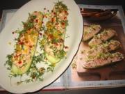 Gurkenschiffchen mit Gemüsequark - Rezept