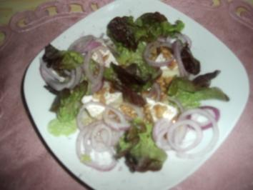 Marinierter Camenbert auf Salat - Rezept