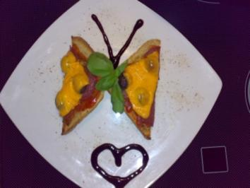 "** Snacks & Quickies ** Pizza - Toast ""Butterfly"" - Rezept"