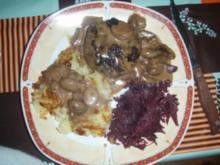 Hirschfilet mit Rösti, Campignons und Rotkraut - Rezept