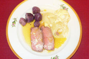 Kalbsfiletbraten mit Salzbuttersoße an Apfelgratin - Rezept