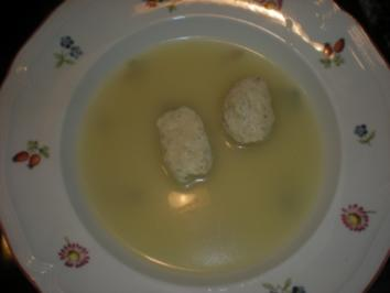 Zitronengras-Ingwersuppe mit Hühnernockerln - Rezept