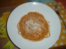 Spaghetti Lunghi Rossi mit Käsesoße und Parmesan - Rezept