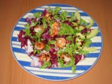 Gebratene Garnelen auf Salat - Rezept