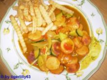 Currywurst-Gulasch mit Zucchini - Rezept