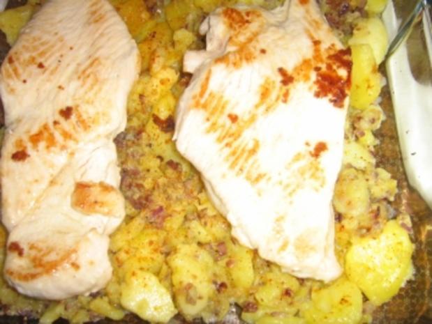 Putenschnitzel auf Bratkartoffeln gratiniert - Rezept - Bild Nr. 6