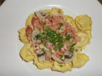"Tortelloni mit Parmaschinken in ""Sauce Caesar"" - Rezept"