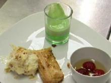 Limonenwackelpudding mit Joghurteis u. Fenchelstangen an Champagnercoulis - Rezept