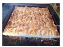Apfelkuchen vom Blech gemahlene Mandeln machen den Teig besonders saftig - Rezept