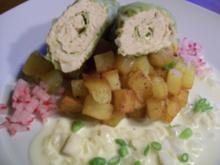 feine Wirsing-Lachsröllchen auf Schmorkartoffeln an Riesling-Sahne - Rezept