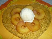 Karamelisierte Apfelringe mit Vanilleeis - Rezept