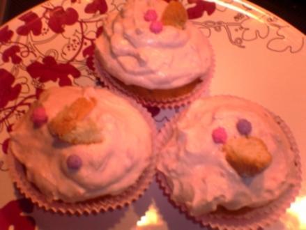 Amaretti Cupcakes mit Himbeer-Mascarpone-Creme - Rezept