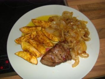 Zwiebelsteak mit Kartoffelspalten - Rezept