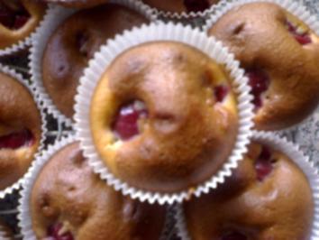 Rezept: Schoko Kirsch Muffins mit Eierlikör