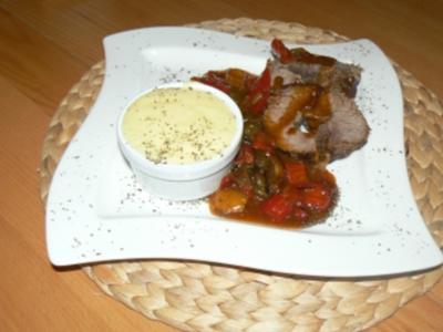 Rinderrollbraten mit Paprikagulasch und Kartoffelcreme - Rezept