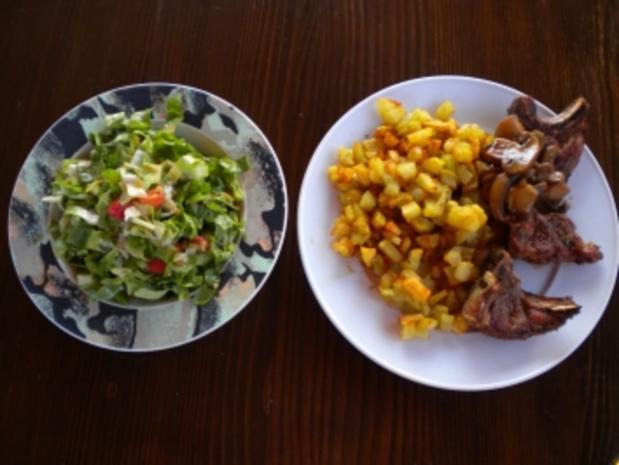 Lammkotelette mit Pommes Risolee und Endiviensalat - Rezept - Bild Nr. 2