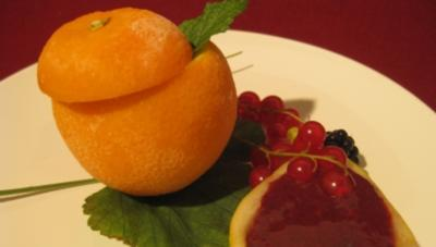 Orangencreme mit Beerenmus - Rezept