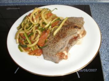 Gefüllte Steaks auf Gemüse - Rezept